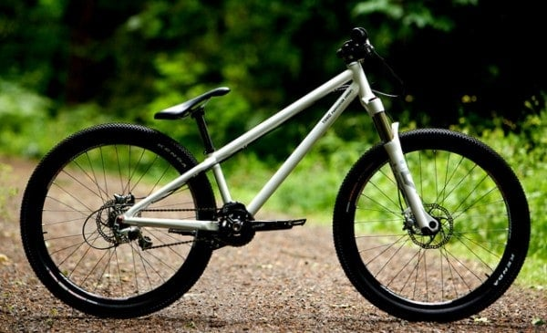 Tonic Fabrication Howie R/T mountain bike