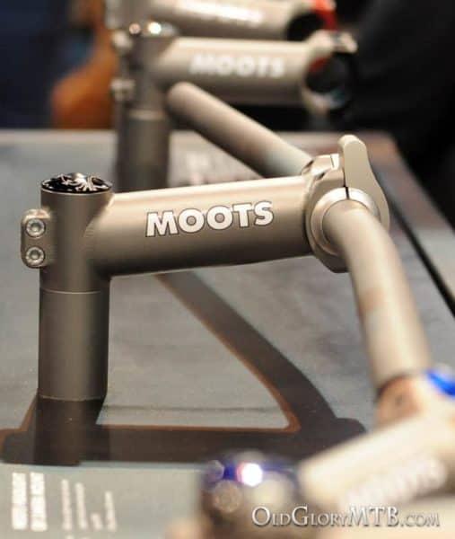 Moots titanium stem with light mount